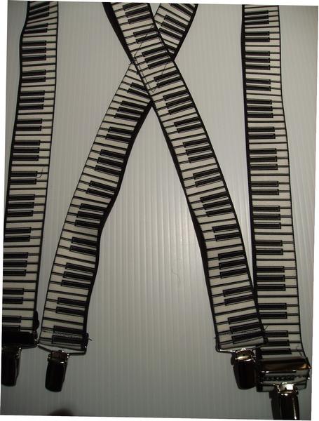 WHITE PIANO KEYS ON BLACK.        X-UA/B220N-PIBK